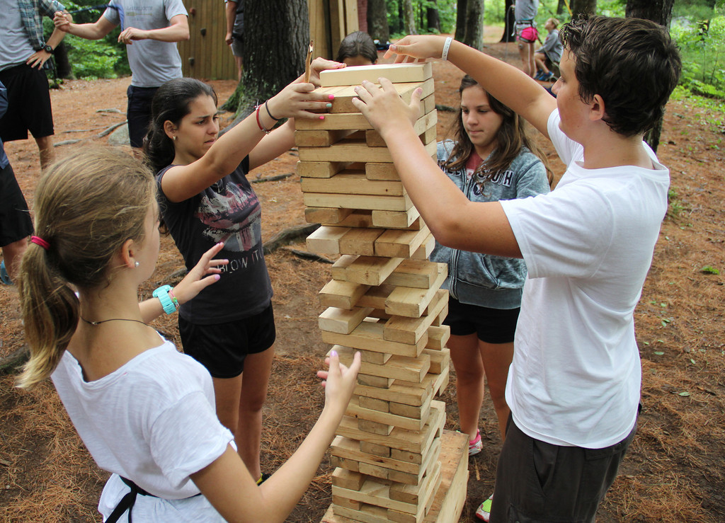 advantages of summer camp Advice on the benefits of summer camp for learning and education even camps that are not focused on education can still have great learning benefits for childr.