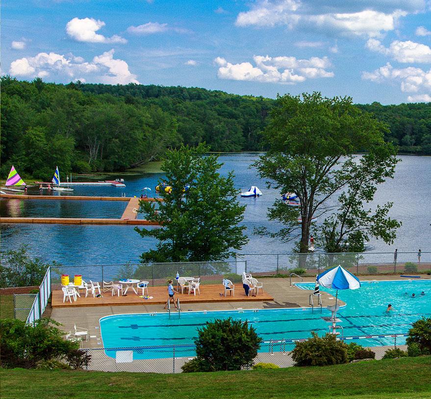 三個或六個星期的夏令營位於賓夕法尼亞州 距纽约市2.5 小时